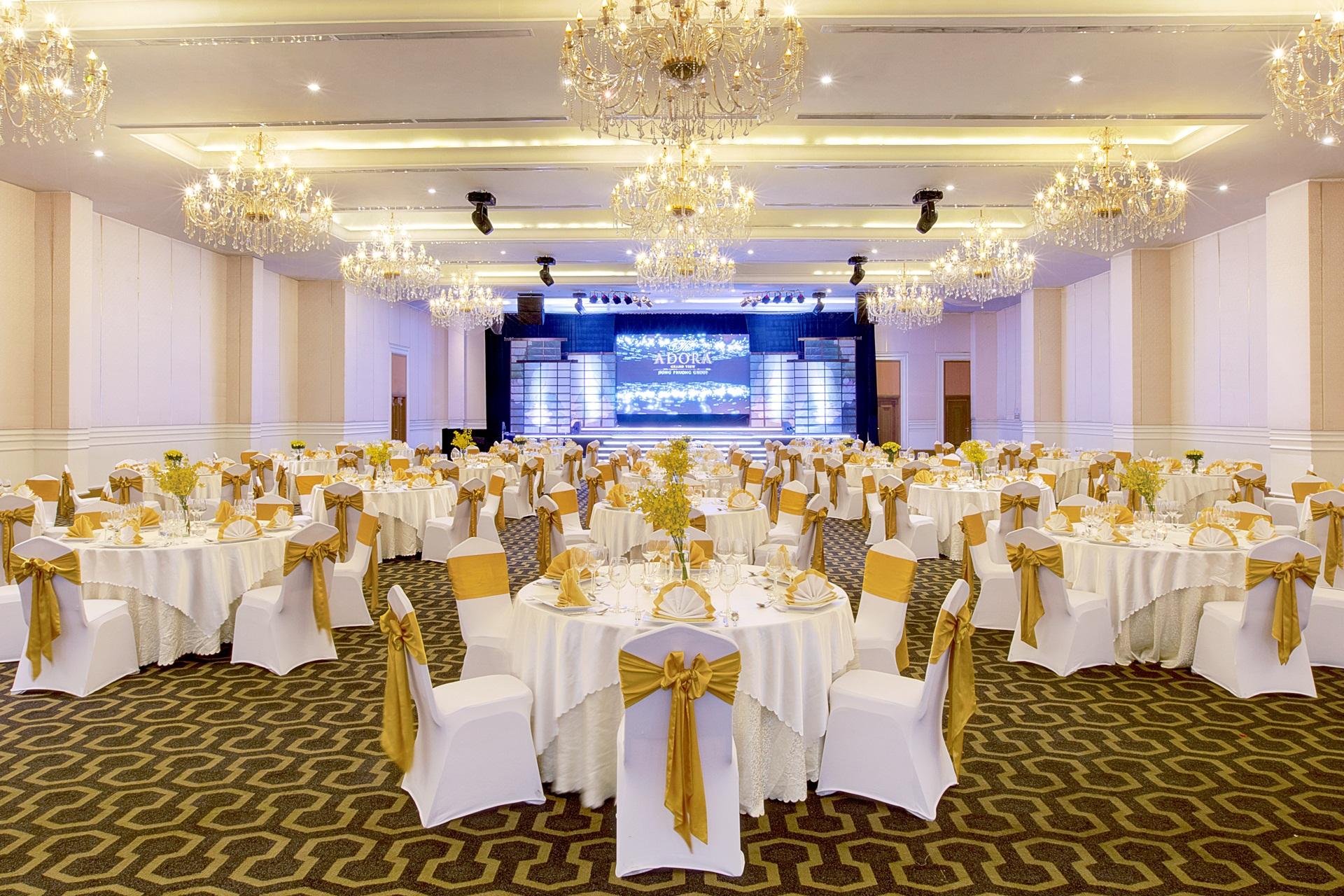 Danang Events - cho thuê bàn ghế sự kiện chất lượng, giá tốt đảm bảo hài lòng