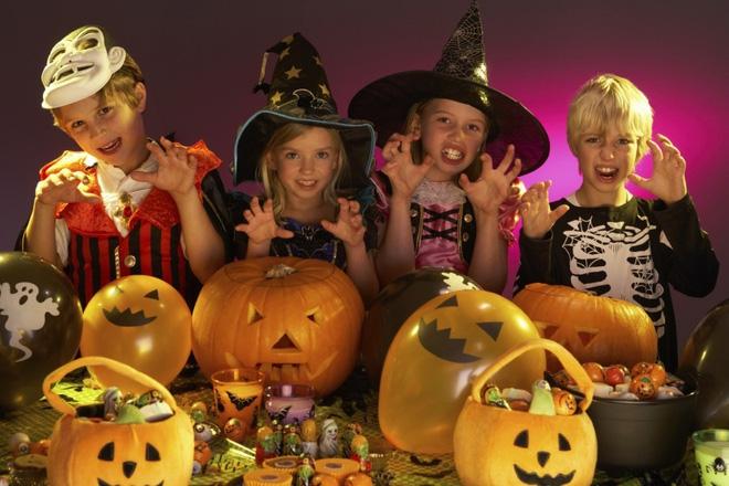 Note ngay những ý tưởng tổ chức trò chơi halloween đơn giản hấp dẫn