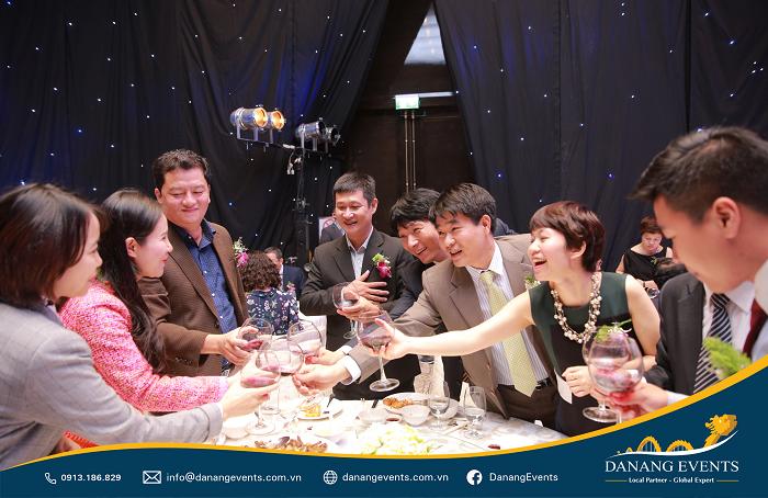 Dịch vụ tổ chức tất niên - Year end party cho công ty ấn tượng chất lượng