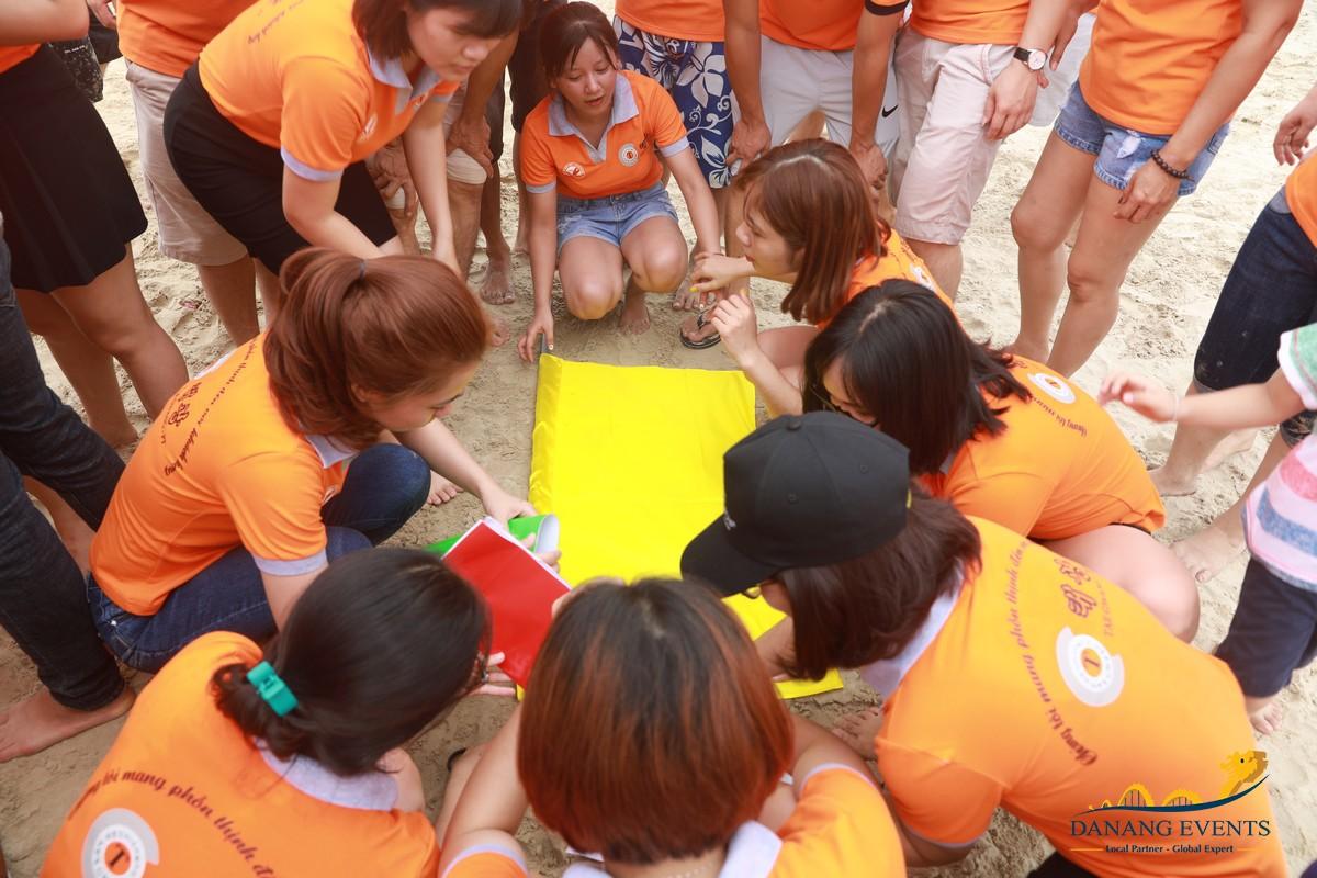 Du lịch kết hợp team building nâng cao tinh thần làm việc nhóm