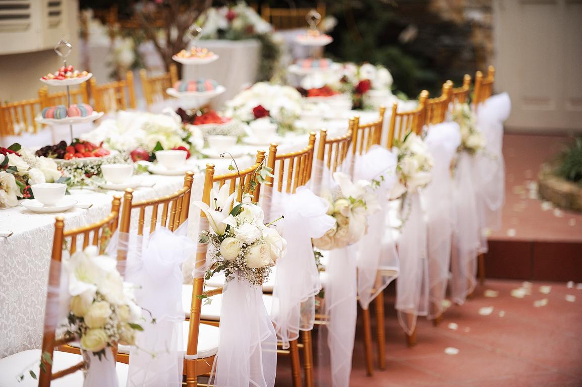 Kiểu dáng của những bàn ghế sự kiện sẽ giúp chương trình thêm phong cách