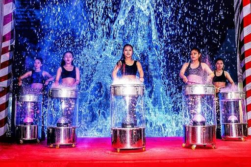 tiết mục múa trống nước ấn tượng