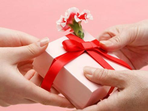 Gợi ý quà tặng hấp dẫn khi tổ chức sự kiện 20-10