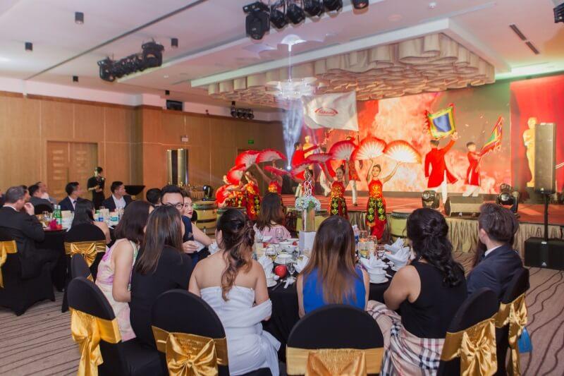 Tổ chức tiệc Gala Dinner cho Công ty Dược phẩm Takeda