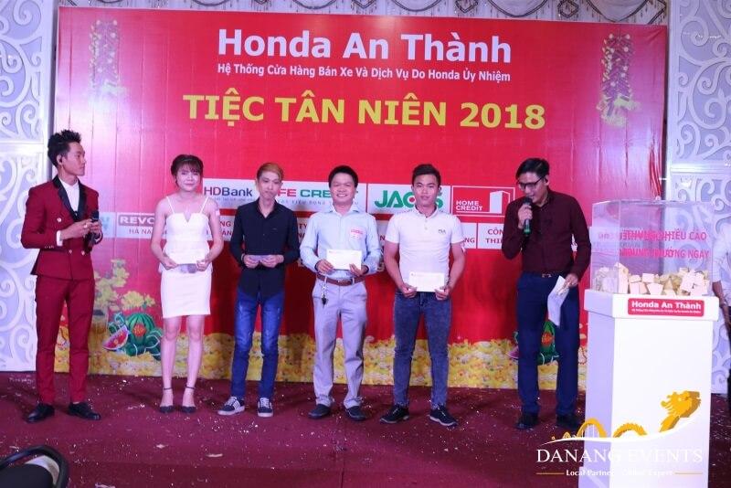 Tổ chức tiệc tân niên đầu năm của Honda An Thành.