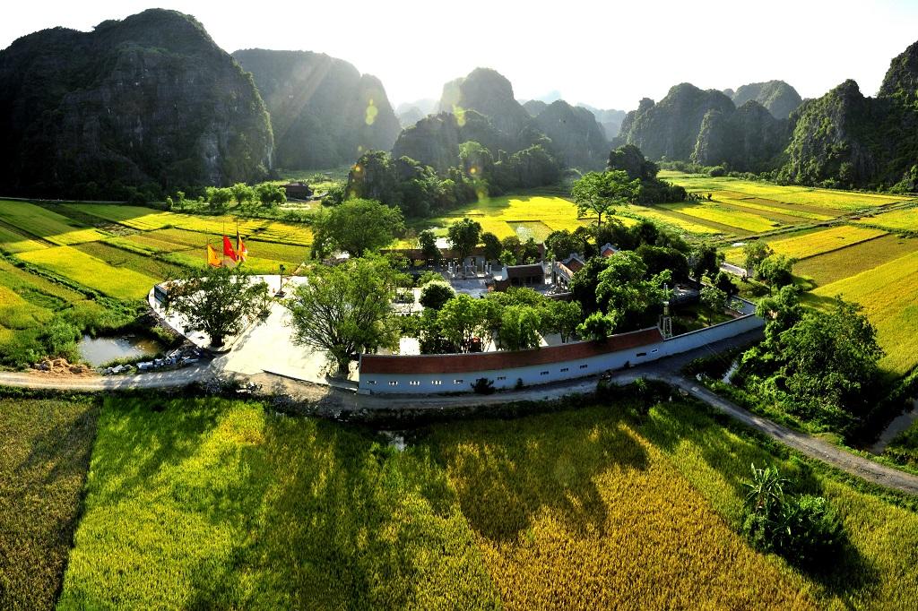 Tour Hoa Lư - Tam Cốc - Bái Đính - Tràng An (2N1Đ)